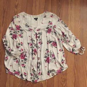 Torrid skull and floral 3/4 blouse